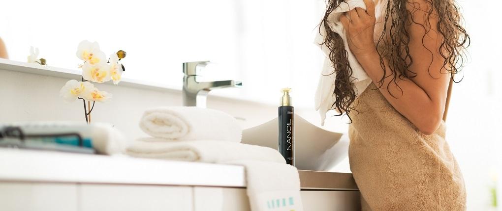 Nanoil für die Haare mit hoher Porosität