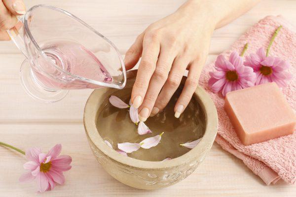 Starke und gesunde Fingernägel: 4 Hausmittel, die Sie kennen sollten